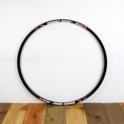 Stans NOTUBES / ZTR Iron Cross disc RIM