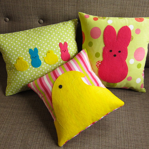 Iron Craft Challenge #6 - Peeps Pillows