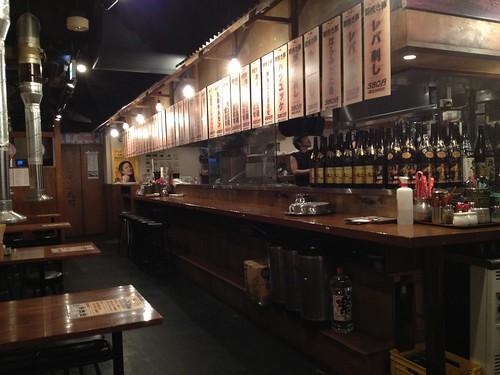 店内は昭和レトロな雰囲気@一代目とんとん侍 三軒茶屋店