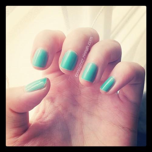 essie turquoise & caicos 02