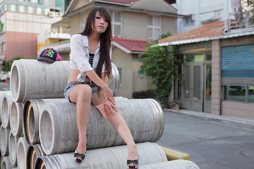 [フリー画像素材] 人物, 女性 - アジア, 女性 - 座る, 台湾人 ID:201207062200