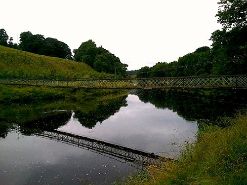 Hebden pedestrian suspension bridge over River Wharfe