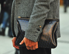 men_clutches_bag_street_style_inspiration_izandrew_blogspot_com_4