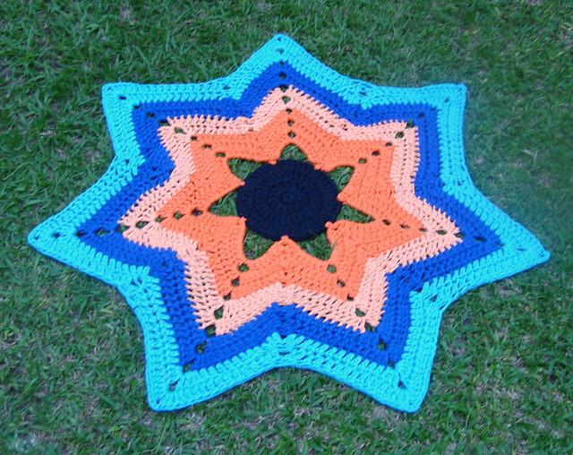 Crochet Pattern For Zig Zag Rug : Tapete de Crochet com Fio de Malha ou Trapilhos (Crochet ...