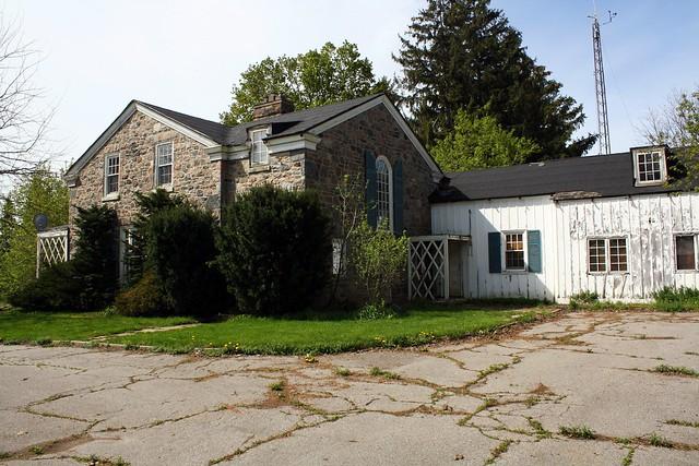Magnar Robson House