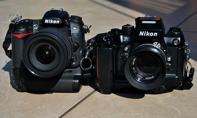 Nikon F4 junto a una D7000