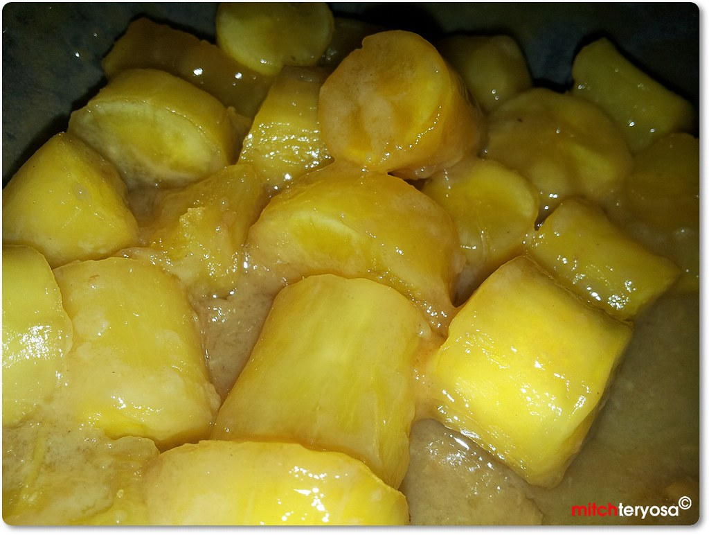 Sweetened Cassava in Cocomilk or Minatamis na Kamoteng Kahoy sa Gata