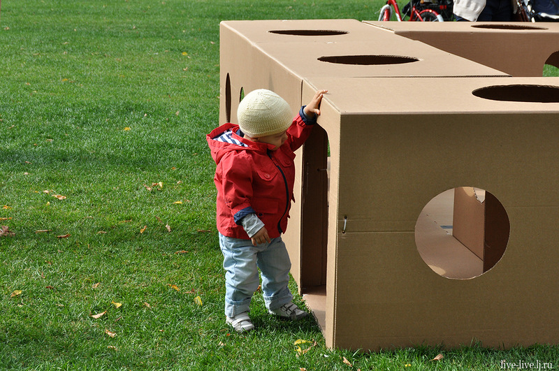 Cardboard city_019