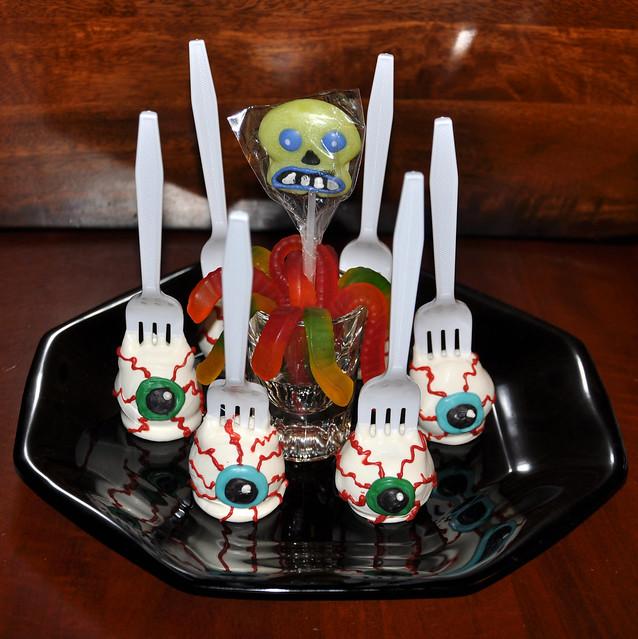 Eyeball Cake Pops | Flickr - Photo - 168.8KB
