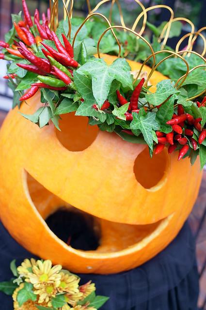 Yamate-Halloween-Walk2012-22-R0022506
