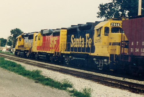 Eastbound Atchison, Topeka & santa Fe transfer train.  Chicago Illinois.  Early September 1988. by Eddie from Chicago