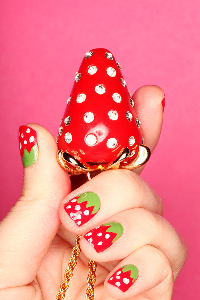 strawberry_nail_tutorialstepfinal