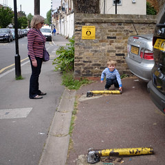 Lifting parking bollards