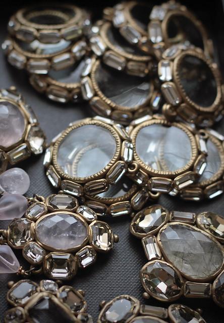 Lens pendants
