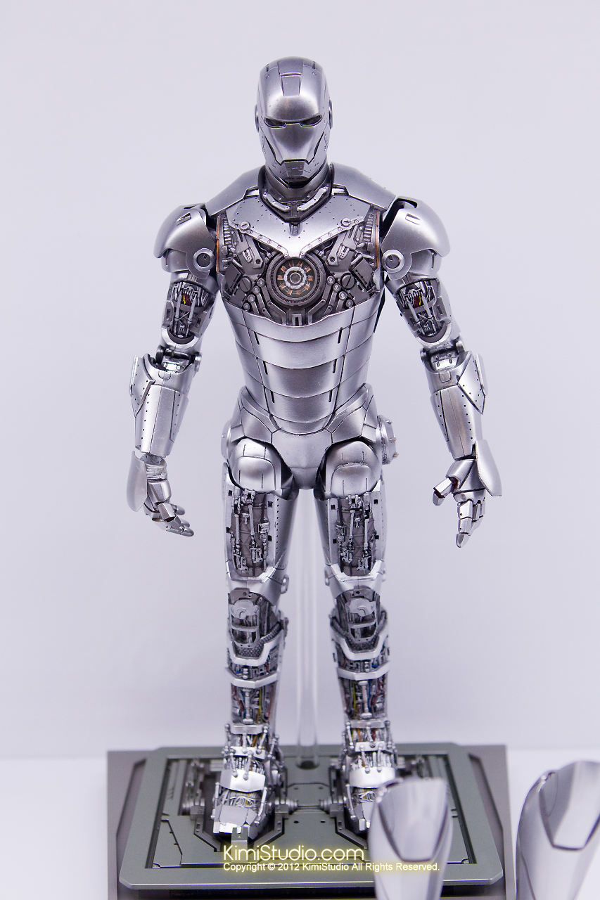 2011.11.12 HOT TOYS-094