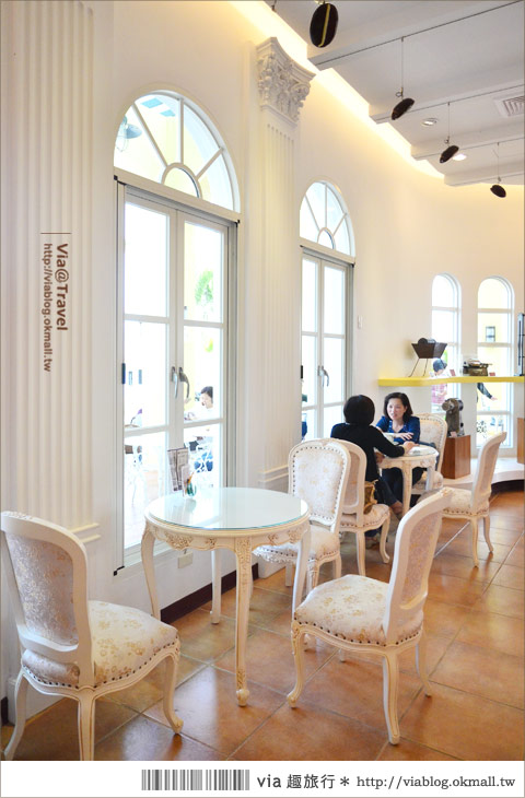 【彰化大村】進昌咖啡烘焙館~田園中的黃色歐式城堡!10
