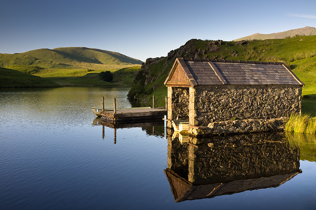 Llyn Dywarchen Boathouse