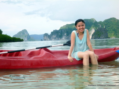 girl-in-kayak-el-nido-palawan