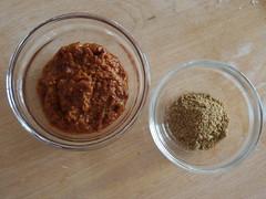 Krydderpasta samt krydderiblanding til Dahl