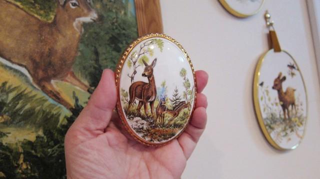 oval deer art