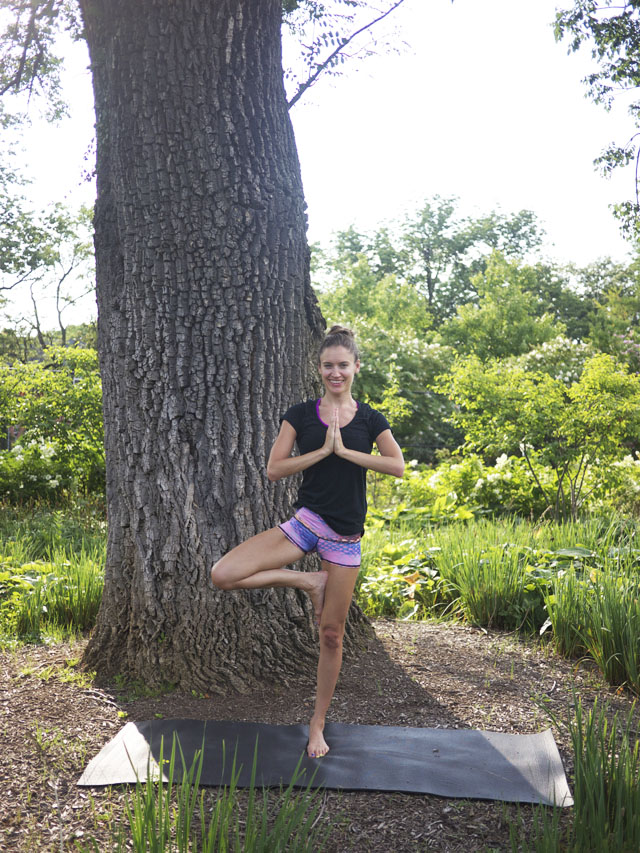 rachel mlinarchik, eco-friendly yoga clothes, teeki, fair vanity,  made in the USA, fashion blog