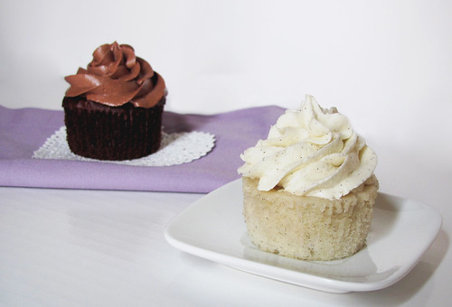 Nutella-Chocolate and Double Vanilla Bean Cupcakes (Recipe!)