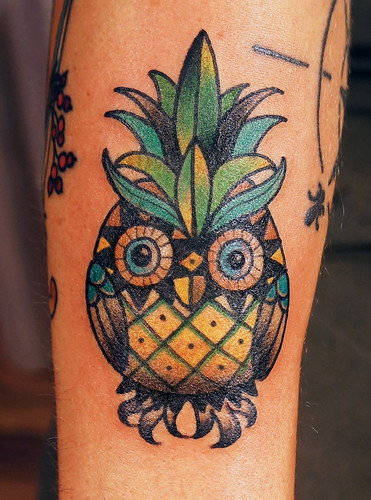 knowledge to knowledge sailing ship pin up pineapple dagger tattoo. Black Bedroom Furniture Sets. Home Design Ideas
