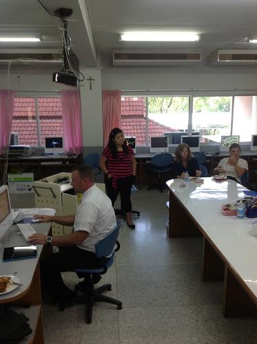 ES iPad Team