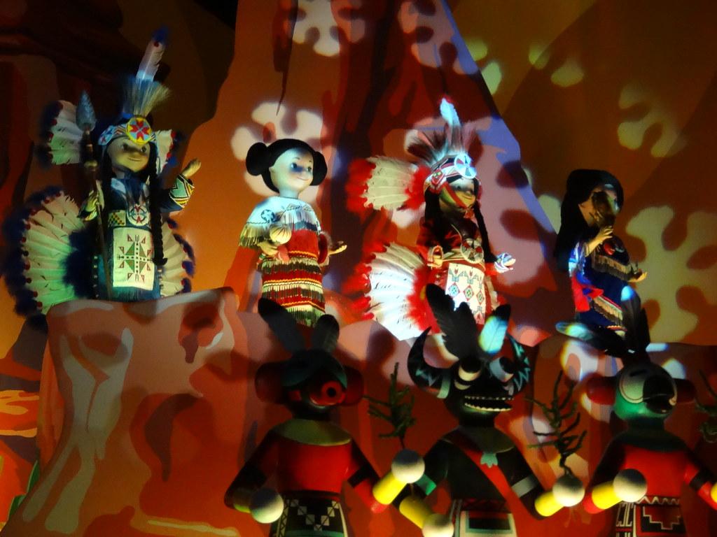 Un séjour pour la Noël à Disneyland et au Royaume d'Arendelle.... - Page 6 13874667133_dc7bb150df_b