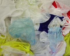 1024px-Plastic_bags