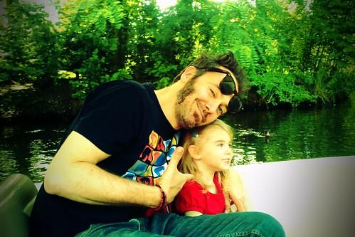 Engelkes in een bootje.