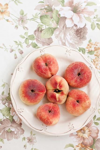 Flat Peaches (peaches fig)