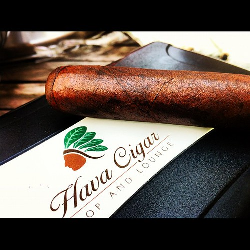 A little Knuckledragger action @chiefhava @havacigarshop @romacraft