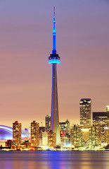 CN Tower, Toronro by Tony Shi.
