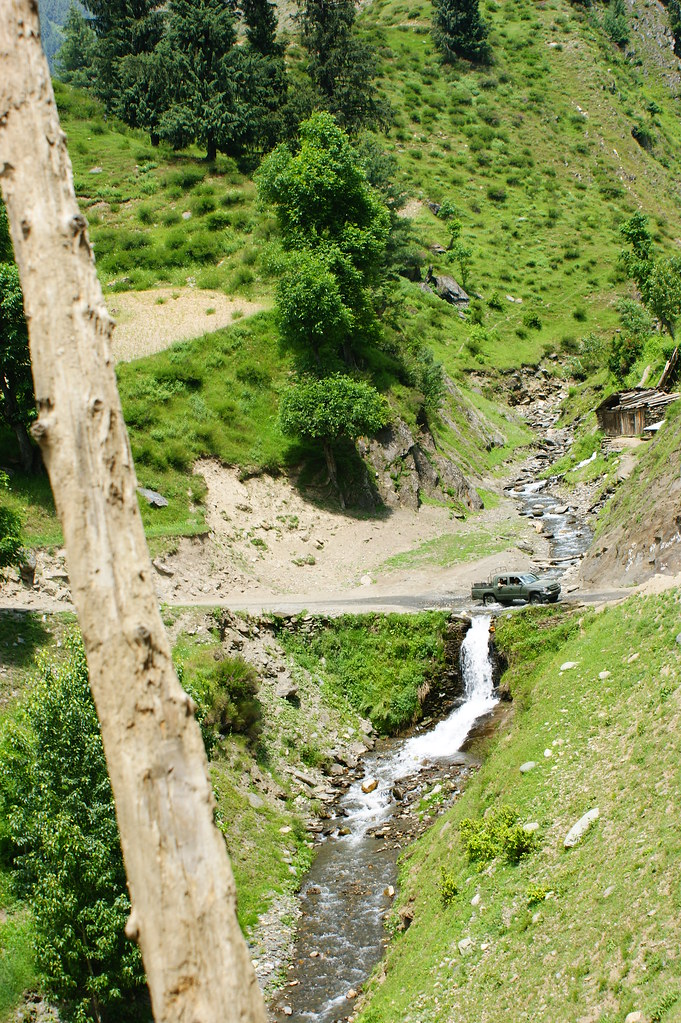 """MJC Summer 2012 Excursion to Neelum Valley with the great """"LIBRA"""" and Co - 7608894168 853729cf55 b"""