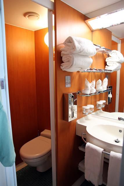 Norwegian Pearl Cabin Bathroom Looking Left Flickr
