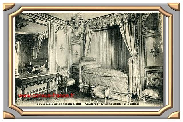 54 - Palais de FONTAINEBLEAU - Chambre à coucher de Madame de Maintenon - 70-150