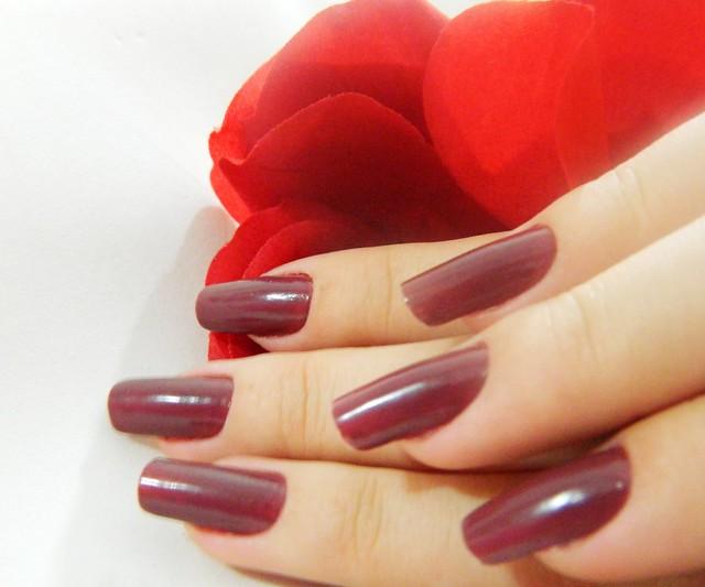 juliana leite unhas da semana nail art decoradas esmalte escuro1
