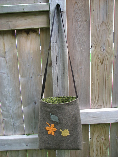 Simple Tote Bag: Leaves
