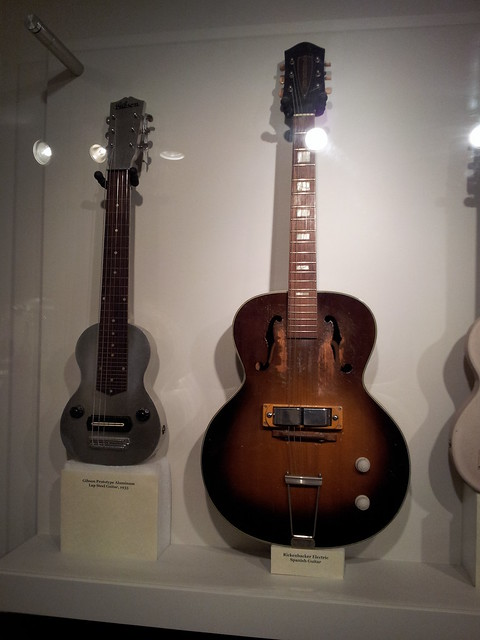 Photo:Gibson prototype aluminum lap steel guitar (1935) & Rickenbacker spanish guitar (1930s) By doryfour