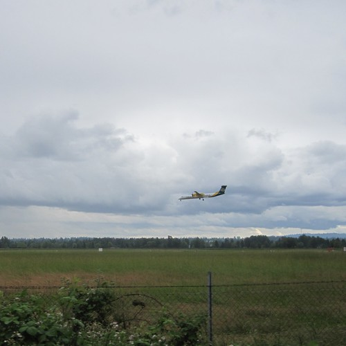 An Alaska commuter plane approached PDX