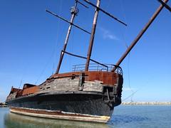 freight transport(0.0), fishing trawler(0.0), fishing vessel(0.0), caravel(0.0), tall ship(0.0), galleon(0.0), sailboat(1.0), sailing ship(1.0), vehicle(1.0), ship(1.0), sea(1.0), mast(1.0), watercraft(1.0), shipwreck(1.0), boat(1.0),