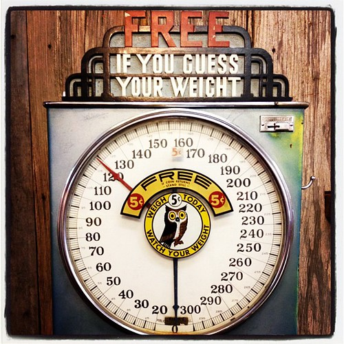 Guess my weight. ;) no really- don't. I'm a hundred-something. Love that old owl. This was in the General Store in Andice, TX #scale #weight #antique #country #Americana
