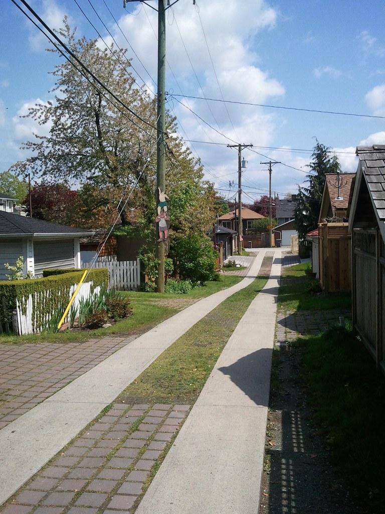Country lane near Fraser St.