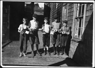Some of the cartoners, not the youngest, at Seacoast Canning Co, August 1911