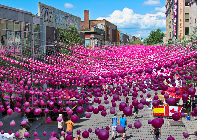 Stylons, Aires Libres, les boules roses, Montreal, Pink Ball Installation, pinke Bälle, Kugeln, Gay Festival, Schwul, Lesbisch, Queer, Claude Cormier, Gilles Arpin
