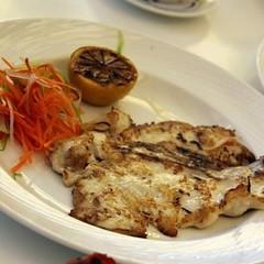 Grilled fish www.klamtam.com #klamtam #food #Kuwait #q8 #kuwaitfood #Kuwaiti #kuwaitinstagram #yummy #delicious #eat #culinary #photo #instaaddict #instadaily #instamood #instagood #instahub #igaddict #igdaily #igers #q8instagram #q8ig #foodpics #tweegram