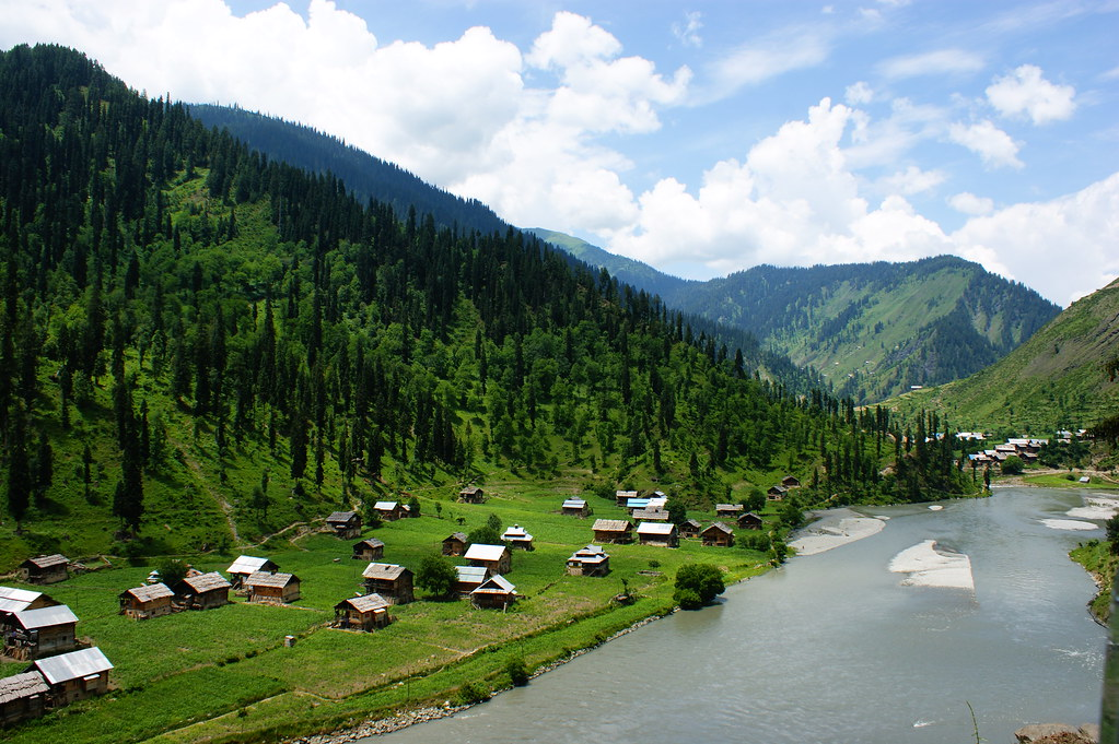 """MJC Summer 2012 Excursion to Neelum Valley with the great """"LIBRA"""" and Co - 7608880418 1958f4b72c b"""