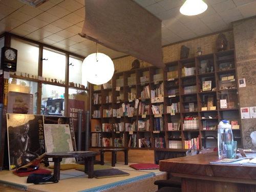 奈良本カフェ『くるくるかふぇ』@奈良ウガヤゲストハウス