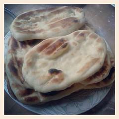 bread(0.0), gã¶zleme(0.0), pupusa(0.0), baked goods(0.0), ciabatta(0.0), piadina(0.0), roti canai(0.0), chapati(0.0), flatbread(1.0), tortilla(1.0), roti prata(1.0), food(1.0), dish(1.0), roti(1.0), naan(1.0), bazlama(1.0), cuisine(1.0),